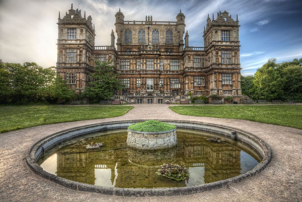 wayne manor batman house